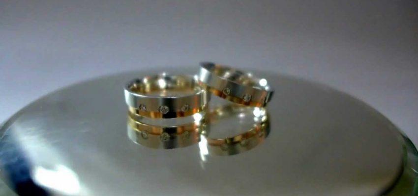 訂造戒指可以找鑽石樓上鋪